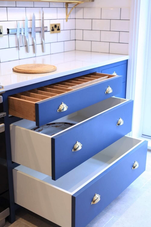 Handmade Kitchen in Holland Park 11