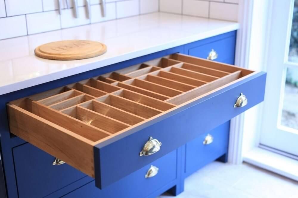 Handmade Kitchen in Holland Park 12