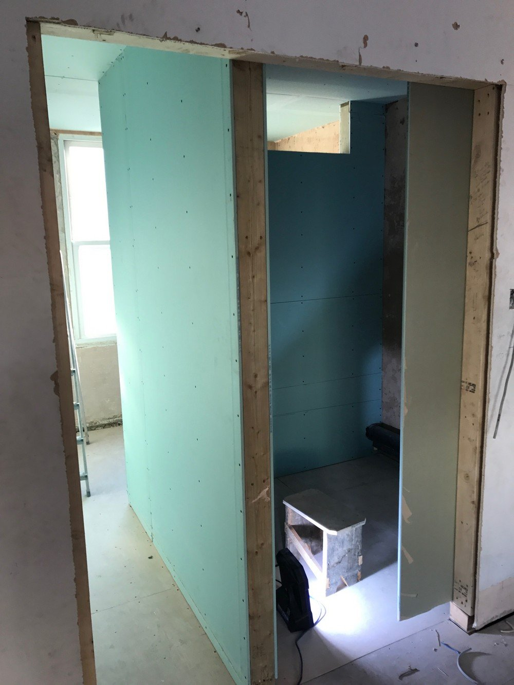 SW1V – Bathrooms, Kitchen, Flooring, Painting Decorating, Steels 1