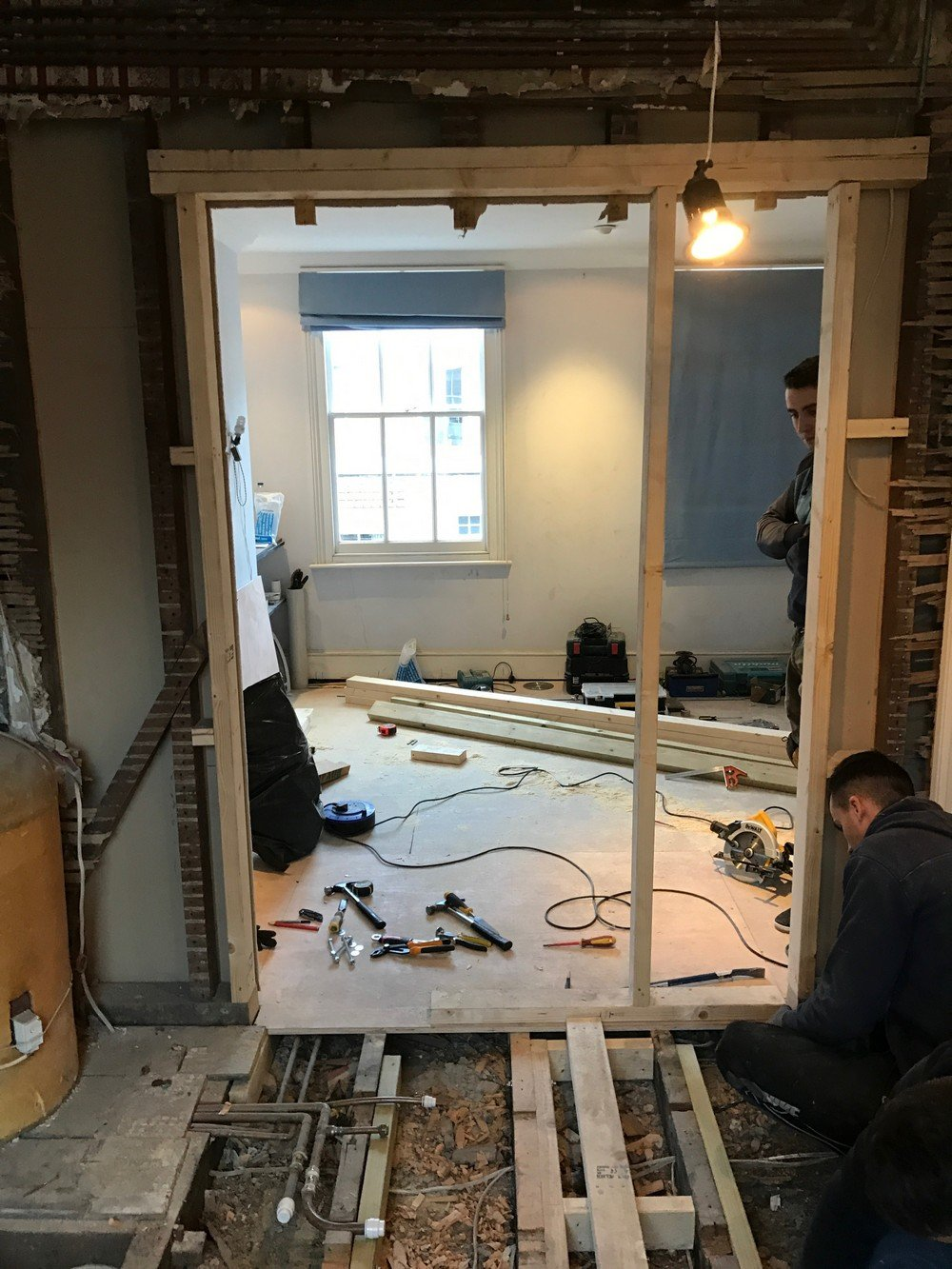 SW1V – Bathrooms, Kitchen, Flooring, Painting Decorating, Steels 20