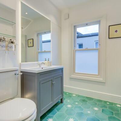 Queen's Park Bathroom Installation